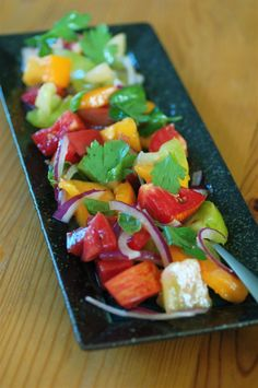 rustic heirloom tomato salad http://sweetbeetandgreenbean.net/2010/08/14/rustic-heirloom-tomato-salad/