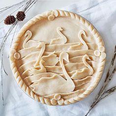 Presenting… CBC Life's 12 Pies of Christmas! Creative Pie Crust, Beautiful Pie Crusts, Pie Crust Designs, Pie Decoration, Holiday Pies, Holiday Baking, Pies Art, Pastry Design, Pie Dessert