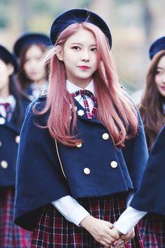 Nayoung ~ gugudan © 원고지 Cute School Uniforms, School Uniform Fashion, School Girl Outfit, Girl Outfits, Fashion Outfits, Cute Korean Girl, Asian Girl, Future Clothes, Popular Girl
