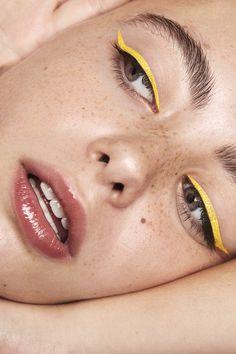 Makeup eyes yellow line. - creative makeup - Eye Make up Makeup Trends, Makeup Inspo, Makeup Art, Makeup Tips, Hair Makeup, Makeup Tutorials, Makeup Ideas, Beauty Trends, Skull Makeup
