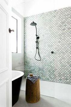 Fine color for tiles BECKI OWENS- Bathroom Style Trend: Tile Statement Wall - Badezimmer ♡ Wohnklamotte - Decorixs Bathroom Renos, Bathroom Interior, Modern Bathroom, Bathroom Ideas, Bathroom Makeovers, Bathroom Green, Bathroom Wall, Bathroom Cabinets, Bathroom Faucets