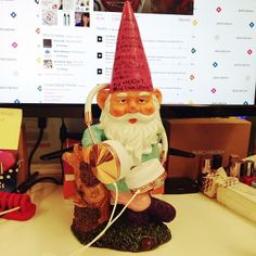 Any guesses what Gnome Chomsky is listening to on his rose gold headphones? Since he's on Juliette's desk, we're guessing lots of Beyonce (and probably definitely some '90s hip hop). #bbdesktweets