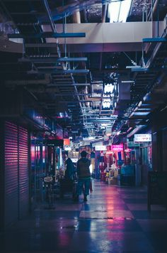 japanesecontent: Underground shopping area (by Masa :D)