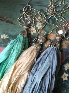 BoHo glam shabby chic sari silk tassel necklace por MarleeLovesRoxy