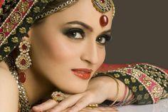 http://fashiontrendsabout.com/wp-content/uploads/2012/04/Bridal-Makeup-2012.jpg