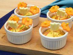 La ricetta dei tortini bouquet di zucchine e carote, un piatto ricco di betacarotene, importante per la crescita e la salute di vista e pelle.