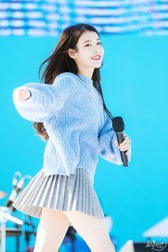 IU Iu Fashion, Asian Fashion, Kpop Girl Groups, Kpop Girls, Asian Model Girl, Korean People, Korean Celebrities, Classic Outfits, Korean Beauty