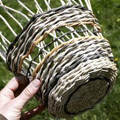 It's just a coincidence that I'm weaving a basket on Easter. Check out my new English Ivy experiment! I work so much I rarely get to show off my skillz. #englishivy #invasivespecies #basketweaving #basketry #ivy #naturaldyes #alderbark #oakgauls #rewild #rewilding #ancestralskills #primitiveskills #portland #pdx #portlandia