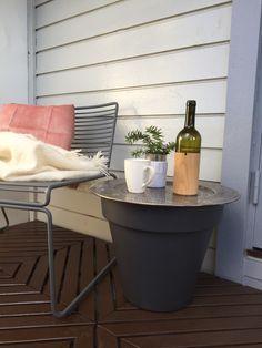 Man må ikke ha blomster i blomsterpotta – My Balcony Garden Balcony Garden, Gardening, Canning, Lawn And Garden, Home Canning, Balcony Gardening, Urban Homesteading, Conservation, Horticulture