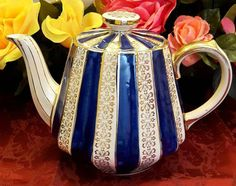 Perfect combination of blue+gold+cream Sadler Tea Pot