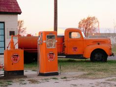 Old Route 66 in McLean, Texas. Photo credit alasam on Flickr.