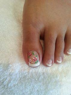 Gel French with Flower nail art. #gelnail, #frenchnail, #nail, #bestdesign, #beautiful, #loveme, #like, #nice, #flower,