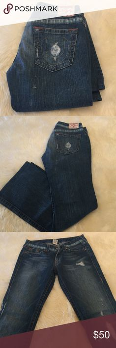 Bobby woman's jeans True religion. Preloved no damage. Gently used. Not much stretch. True Religion Jeans Flare & Wide Leg
