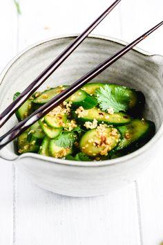 Fresh Salad Recipes, Cucumber Recipes, Healthy Side Dishes, Good Healthy Recipes, Healthy Choices, Japanese Cucumber Salad, Salads To Go, Big Salads, Marinated Cucumbers