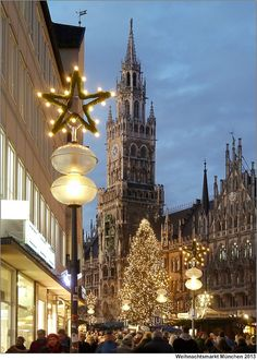 The Christmas market in Munich's Marienplatz is one of the most famous of its kind in Germany! Photo by to.wi on Flickr.