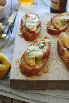 Crostini with Peaches, Blue Cheese & Honey
