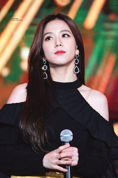 Kim Jennie, Kpop Girl Groups, Kpop Girls, Black Pink ジス, Blackpink Debut, Blackpink Members, Blackpink Photos, Blackpink Jisoo, Shows