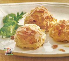 Croquetas de patatas con almendra.