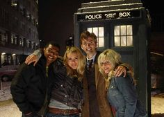 PHOTO OF THE DAY - 5th December 2016: Doctor Who - The Christmas Invasion Cast (2005)