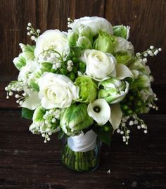 white and green wedding flowers bridal flowers - Page 24 of 100 - Wedding Flowers & Bouquet Ideas Bridal Flowers, White Flowers, Beautiful Flowers, Beautiful Bride, White Roses, Green And White Wedding Flowers, Cheap Flowers, White Bridal, Beautiful Pictures