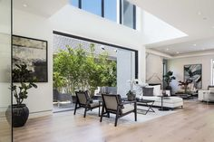 304 S. Mccarty Drive | Beverly Hills