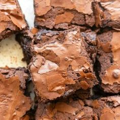 Almond Flour Brownies are rich and fudgy brownies made in one bowl and ready in 35 minutes! No grains and no refined sugar needed! Low Carb Sweets, Low Carb Desserts, Vegan Desserts, Healthier Desserts, Diabetic Desserts, Diabetic Recipes, Easy Desserts, Almond Flour Brownies, Keto Brownies