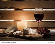 Tieteellinen tutkimus: viinin juominen ennen nukkumaanmenoa saattaa auttaa laihduttamisessa Red Wine, Alcoholic Drinks, Coffee Maker, Kitchen Appliances, Glass, Food, Liquor Drinks, Cooking Tools, Alcoholic Beverages