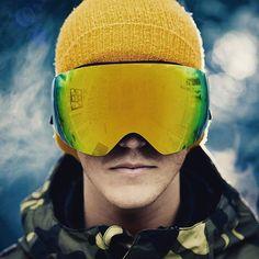 Ya está aquí la temporada de nieve. Ahora llévate tus máscaras de esquí con un 20 % de descuento con el código descuento #navidadsunoptica. NO TE LO PIERDAS.  #sunoptica #gafas #sunglasses #gafasdesol #occhiali #sunnies #gafas #shades #gafasdeportivas #gafasdenieve #mascarassky #mascarasoakley #Oakley #nieve #sierranevada #baqueira #baqueiraberet