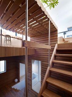 Switch Box in house / Instalación de una caja hecha de madera de construcción en el centro de la casa