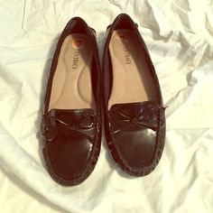 Ellen Tracy  flats with bow size 7 Flats worn once great condition size 7 but run small Ellen Tracy Shoes Flats & Loafers
