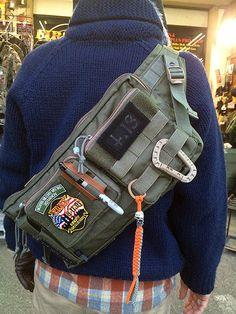 Build the ultimate bug out bag checklist. Tactical Wear, Tactical Backpack, Mochila Edc, Mochila Adidas, Edc Bag, Fashion Bags, Mens Fashion, Tac Gear, Military Gear