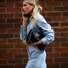 CATCH-a-TREND. A Curation Of Street Style Excellence. #catchatrend #streetstyle #dreehemingway #denim #jeans #modeloffduty