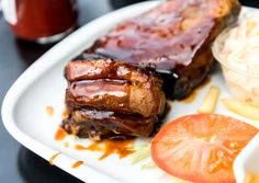 Traditional Texas barbecue sauce is a mixture of tomato, spices, and vegetables. Use this recipe to let the flavor of your barbecue brisket shine. Texas Bbq Sauce, Barbecue Sauce Recipes, Bbq Sauces, Barbeque Sauce, Beef Stew With Dumplings, Crock Pot Beef Tips, Crockpot, Beef Dripping, Slow Cooker Italian Beef