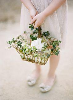 Vintage Flower Basket for Flower Girls | Vintage Wedding Inspiration | Topazery