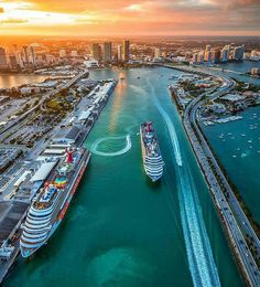 The Best Places to Watch the Sunset in Miami, Florida. Sunset over Miami. Port of Miami Sunset. Miami Beach, Miami Sunset, Miami Florida, South Florida, Usa Miami, Florida Living, Palm Beach, Miami City, Kissimmee Florida