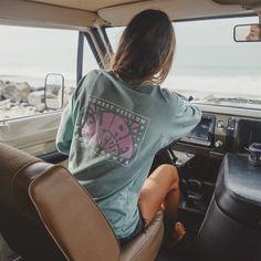 Surfer Outfit, Surfer Girl Outfits, Surfer Girl Fashion, Surf Fashion, Surfer Girl Clothes, Surf Girls, Jason Momoa Style, Surf Mode, Surfergirl Style