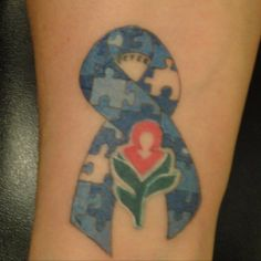 Huntington's Disease National symbol with ribbon showing missing pieces to represent how the person loses pieces of themselves as the disease progresses.In memory of my cousin Peter and for my cousin Debbie who is battling it now! Black Cherry Tattoo, Cherry Tattoos, Hd Tattoos, Makeup Tattoos, Huntington Disease, National Symbols, Awareness Ribbons, Tattoo Studio, Tatting