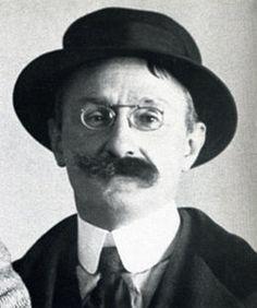 Albert Marquet (1875-1947), c. 1920s. Brief bio here: https://fr.wikipedia.org/wiki/Albert_Marquet
