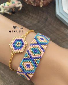 New model combine 💫🧚♀️ ——————————————————————— Loom Bracelet Patterns, Bead Loom Patterns, Beaded Jewelry Patterns, Beading Patterns, Beaded Braclets, Bead Loom Bracelets, Motifs Perler, Brick Stitch Earrings, Peyote Beading