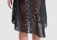 The Kinematics dress, created by generative design studio Nervous System, is, in all cliches, no. Define Fashion, 3d Fashion, Fashion Design, Style Fashion, Impression 3d, Moma, Diy 3d Drucker, 3d Printed Dress, Lace Skirt