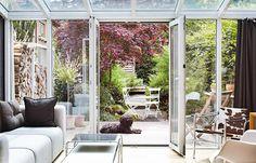 Umbau: Reihenhaus Als Modernes Wohnhaus: Wintergarten öffnet Das Haus Zum  Garten