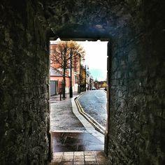 Passing through. Bishop's Gate Derry. #derry #tunnel #bridge #derrywalls #weather #rain #gate #northernireland #streetphotography