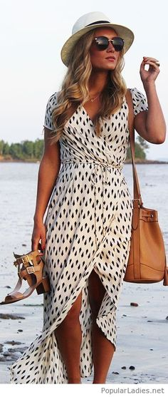 Perfect printed dress for summer with some nice brown accessories