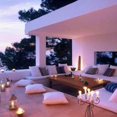 I think I just fell in love : this WILL BE my roof top chill area!! <3
