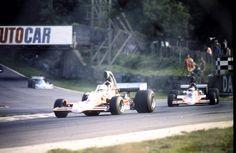 (4) Teddy Pilette - Lola T400 [HU11] Chevrolet V8 - Racing Team VDS - (2) Peter Gethin - Lola T400 [HU4] Chevrolet V8 - Racing Team VDS - Brands Hatch - 1975 Shellsport F5000 Championship, round 16