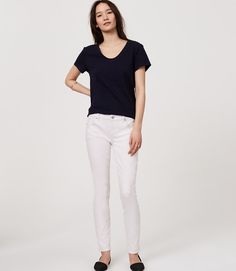 Loft. Modern Skinny Jeans in White. Size 10. Roll cuffs to make crops