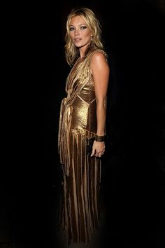 Kate Moss en robe gold