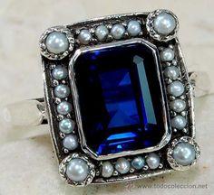 Anillo vintage de plata, zafiro y perlitas