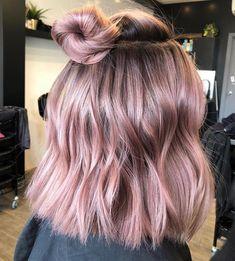 bun-hairstyle-for-short-hair Elegant Short Hair Bun Ideas 2019 Gold Hair Colors, Hair Dye Colors, Cool Hair Color, Hair Color Pink, Hair Color Ideas, Nice Hair Colors, Amazing Hair Color, Subtle Hair Color, Pastel Pink Hair