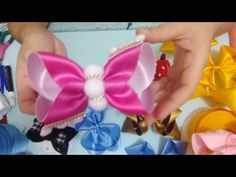 Discover recipes, home ideas, style inspiration and other ideas to try. Headband Hairstyles, Hair Clips, Bows, Style Inspiration, Vídeos Youtube, Accessories, Microsoft, Calendar, Head Bands
